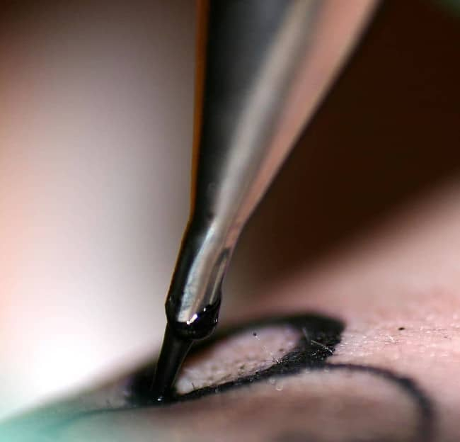 Esecuzione di un tatuaggio